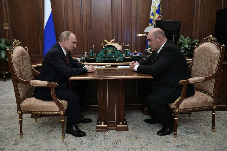 Putin propone a jefe de servicios fiscales como nuevo primer ministro