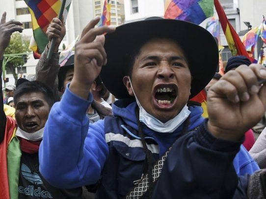 """""""Que vuelva Evo"""", grita una enardecida multitud aymara en La Paz"""