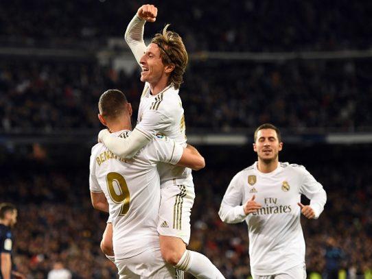 El Real Madrid busca los octavos de 'Champions' ante el PSG de Neymar
