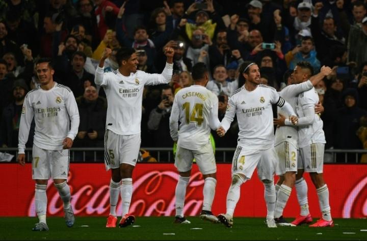 El Atlético choca con el Real Madrid, el Barcelona a reaccionar en LaLiga