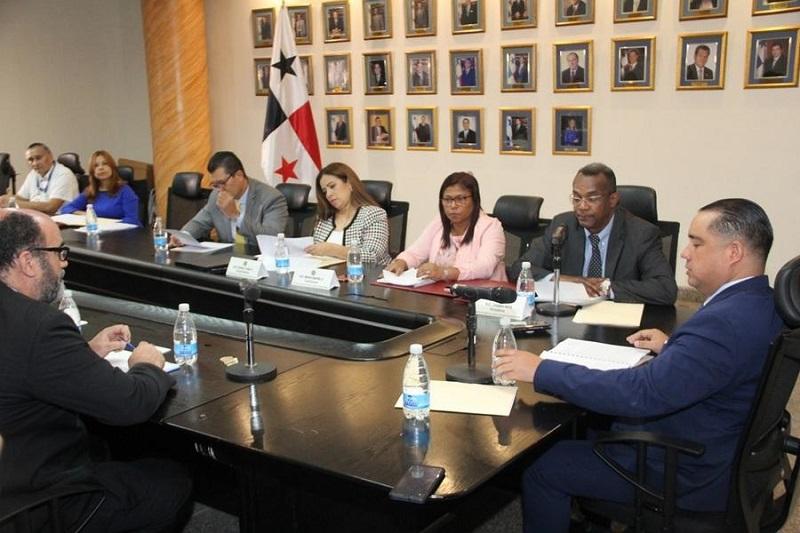 Continúa evaluación de informe sobre las reformas constitucionales