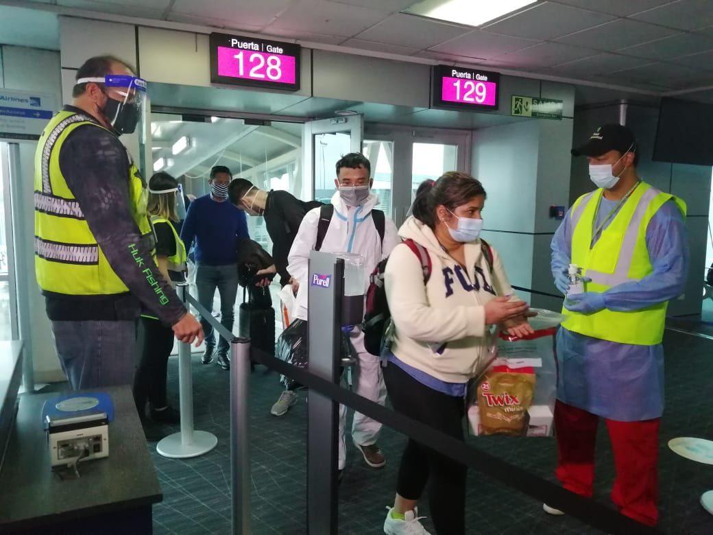 Cancillería divulga parámetros para recoger a familiares repatriados