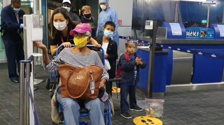Llegan 160 panameños en vuelo de repatriación desde Miami