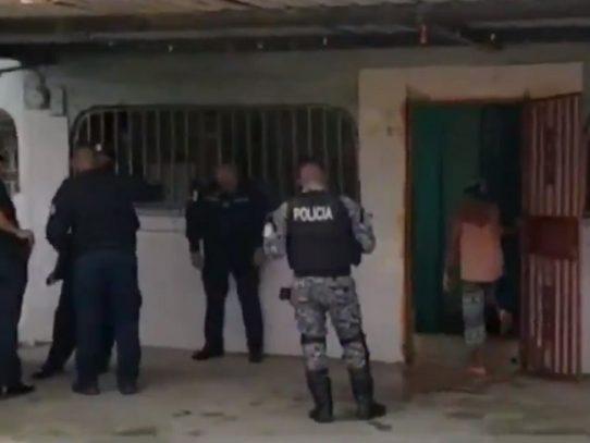 Un menor y una mujer heridos de bala en Colón