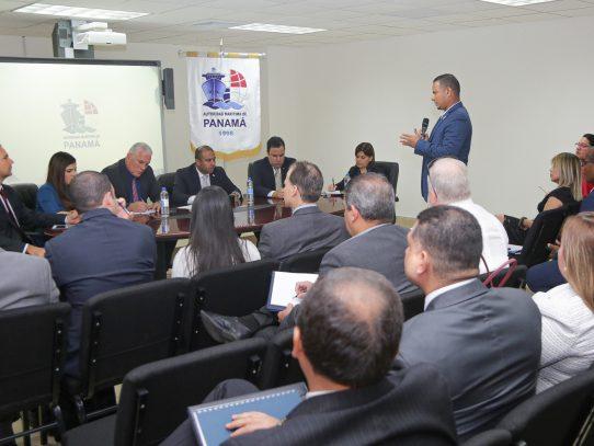 Gobierno instala mesa de diálogo para solucionar conflicto entre transportistas de carga y navieras
