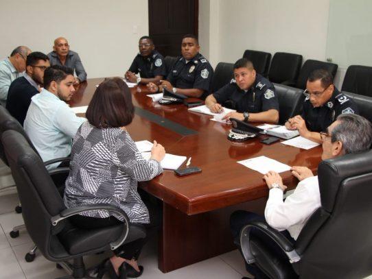 Estudiantes y Rector de la UTP se reúnen con la Policía para evitar robos