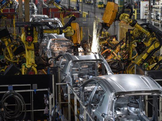 La industria manufacturera global tiene el doble de robots que hace dos décadas