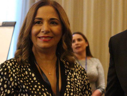 Comisión de la Mujer vuelve a citar a Gozaine a la Asamblea