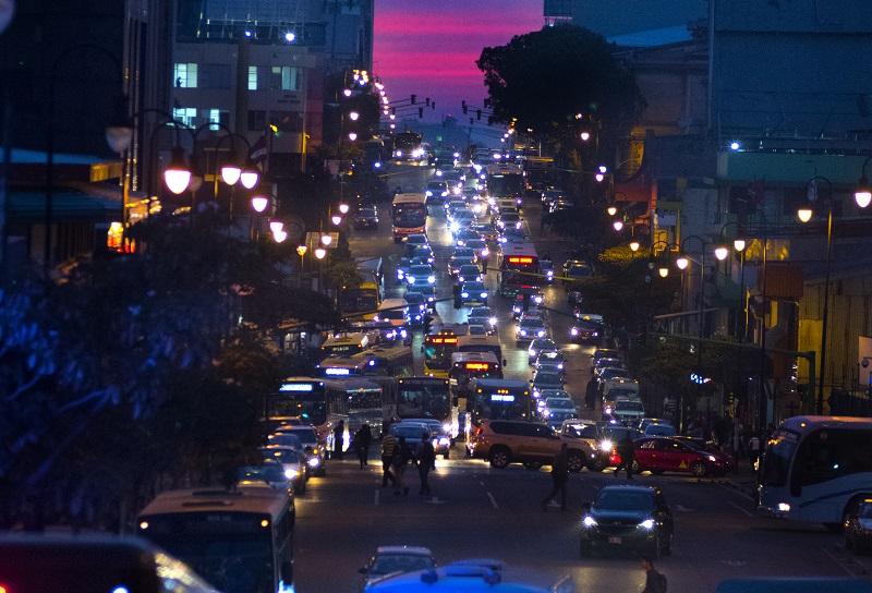 Inflación en Costa Rica baja por caída de precios de combustibles