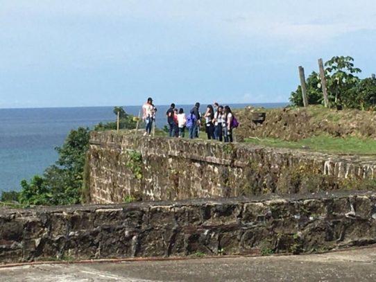 Empresas interesadas en licitación visitan el Fuerte San Lorenzo