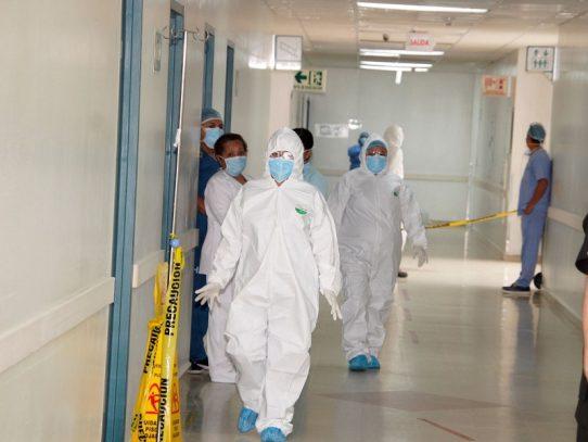 Hospital Santo Tomás habilita tres salas para pacientes con Covid-19