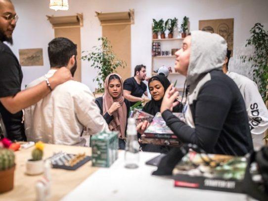 La ley saudita les otorga nuevas libertades a las mujeres, pero sus familias no siempre están de acuerdo