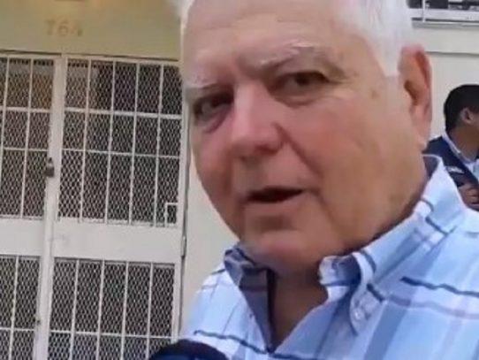 Mario Martinelli presenta querella penal contra el contralor Humbert