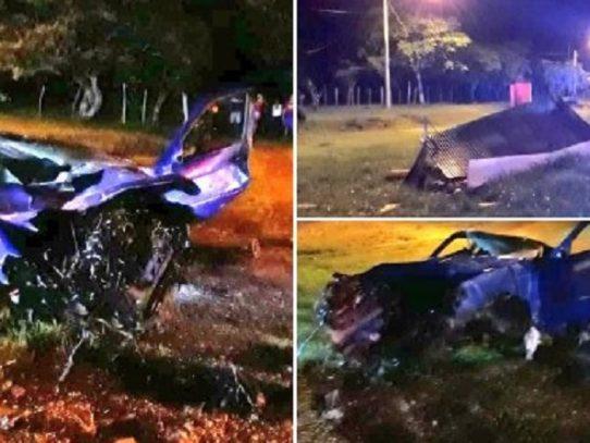 Hombre muere tras chocar su auto contra una caseta en Penonomé