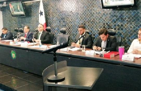 Aprueban el primero de tres bloques sobre el proyecto de reformas al reglamento interno de la Asamblea