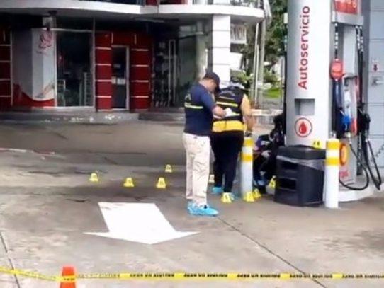 Impactante video del asesinato de un hombre en estación de gasolina en San Antonio