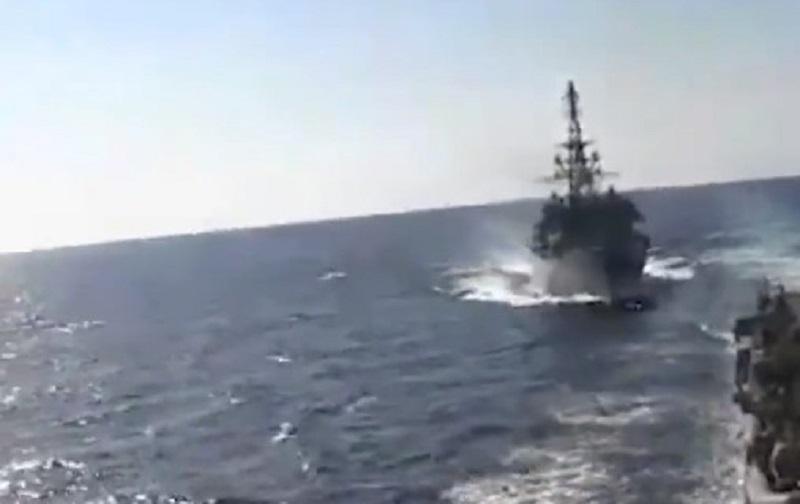 Barco ruso y otro estadounidense, a punto de colisionar en Medio Oriente