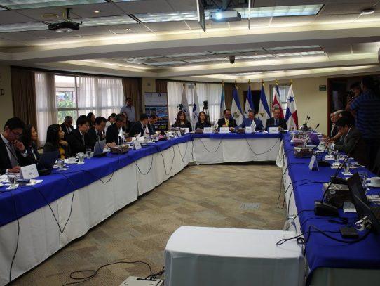 Panamá firma hoja de ruta para la formulación del Plan Maestro Regional de Movilidad y Logística 2035