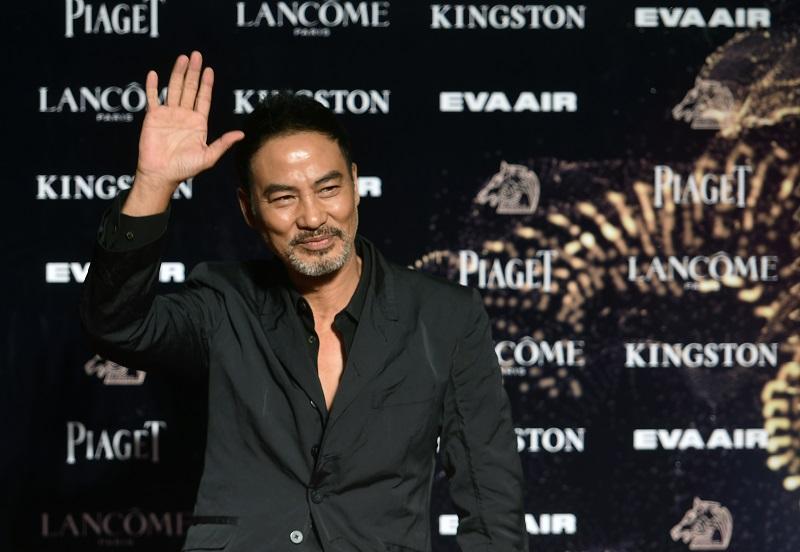 Actor de Hong Kong apuñalado sobre el escenario en China continental