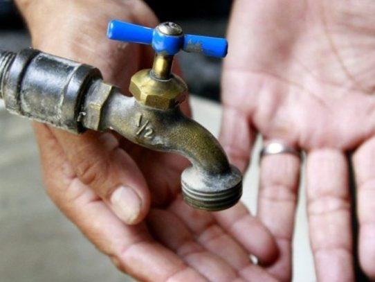 Sectores de Colón sin agua por suspensión en  potabilizadora Antonio Yepes