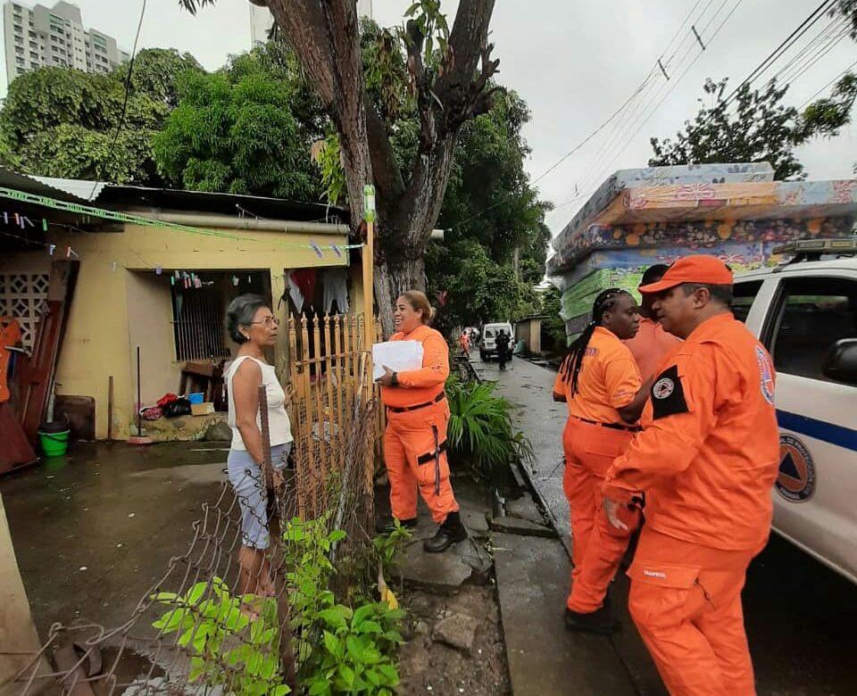 Inundaciones dejan 80 viviendas afectadas en la capital y oeste del país
