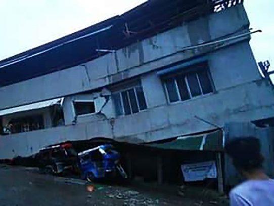 Un muerto y decenas de heridos en un fuerte sismo en Filipinas
