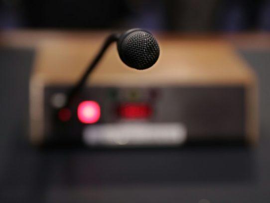 Ejército realizó escuchas ilegales a jueces y políticos en Colombia, según medio