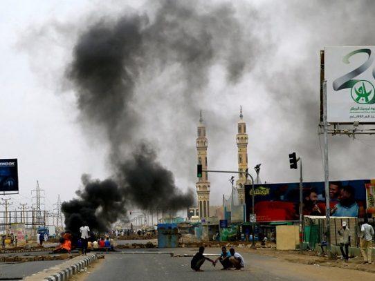Miles de manifestantes reclaman en Sudán que se acelere la transición