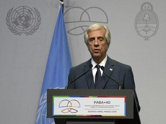 "Vázquez critica ""golpe"" en Bolivia pero valora ""alternancia"""