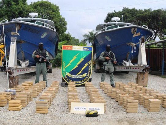Incautan 362 paquetes de presunta droga cerca a la Isla Taboguilla