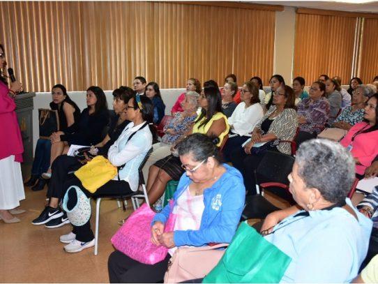 La población de adulto mayor se triplicará en Panamá