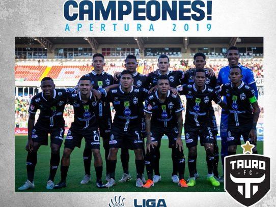 Tauro logra su décimo quinta corona del fútbol panameño tras ganar a Costa del Este