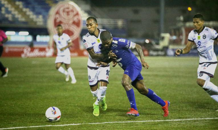 Árabe Unido y Tauro FC. se enfrentan hoy en el Javier Cruz del Antes y Oficios