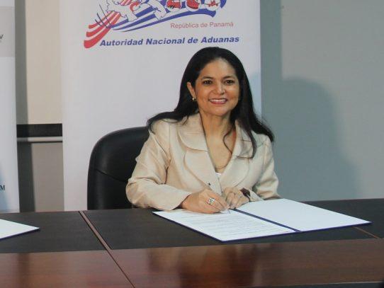 Directora de Aduanas presentó querella penal por defraudación al fisco de $2.4 millones