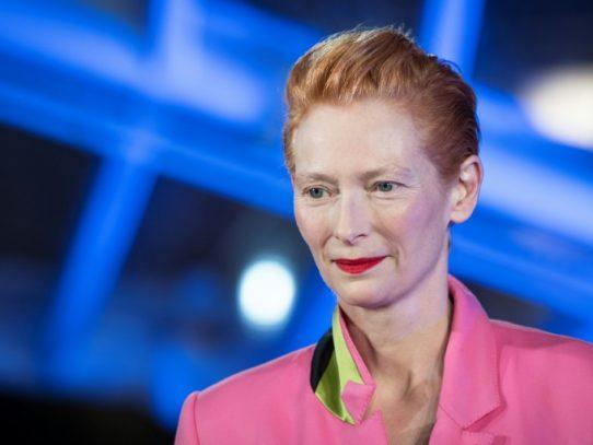 Tilda Swinton elogia la magia del cine en la apertura du festival de Marrakech