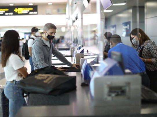 OPS considera innecesario exigir pruebas de covid-19 o cuarentenas para reanudar viajes no esenciales