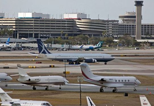 Aeropuerto en Florida dice ser el primero de EE.UU. en hacer pruebas rápidas de coronavirus
