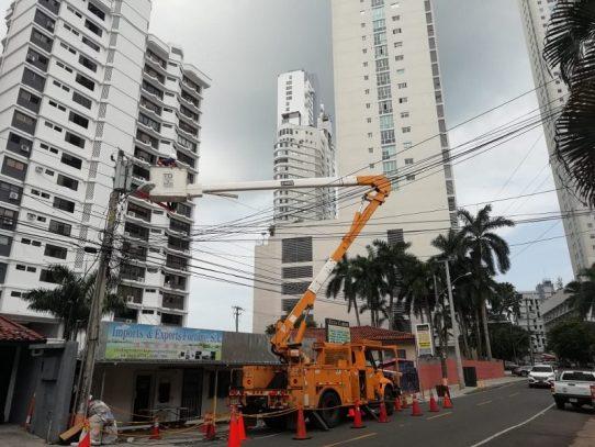 Anuncian apagones eléctricos en seis provincias por mantenimiento