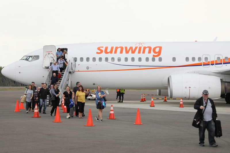 Temporada alta de vuelos chárter inicia con 400 turistas procedentes de Canadá