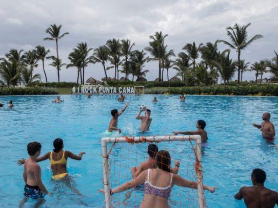 La muerte de turistas estadounidenses crea una crisis en República Dominicana