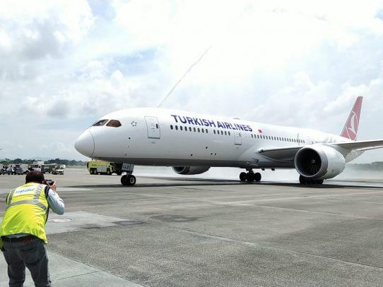 Turkish Airlines estrena en Panamá su nuevo avión Boing 787-9