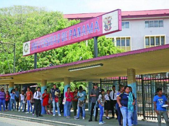 Estudiantes que no estén paz y salvo podrán matricularse en la Universidad de Panamá