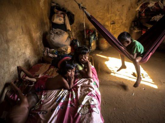 Casi un millón de niños han sido abandonados en Venezuela por la migración de sus padres