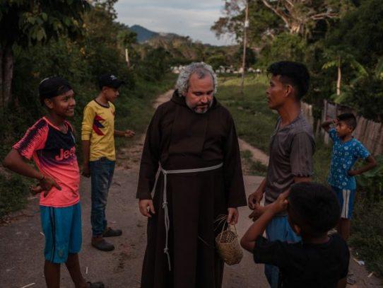 ¿Fariseo o 'diablo'? La labor de un fraile divide un pueblo venezolano