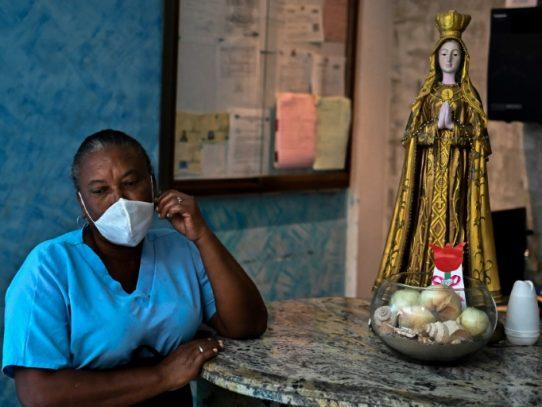 Nerviosos, venezolanos improvisan brebajes frente al nuevo coronavirus