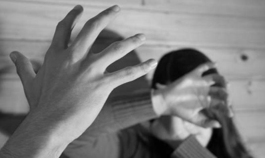 Tres hombres son enviados a prisión por violencia domestica en Pmá. Oeste