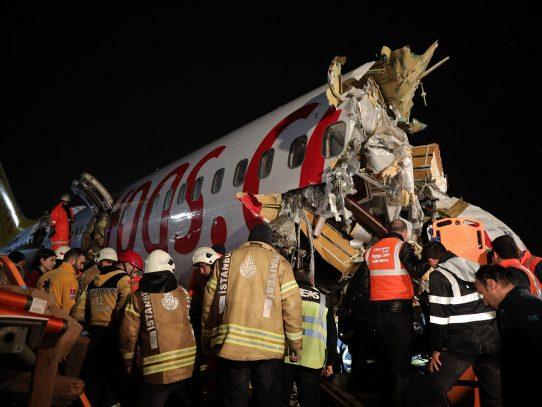 El saldo de accidente de avión en Estambul sube a 120 heridos