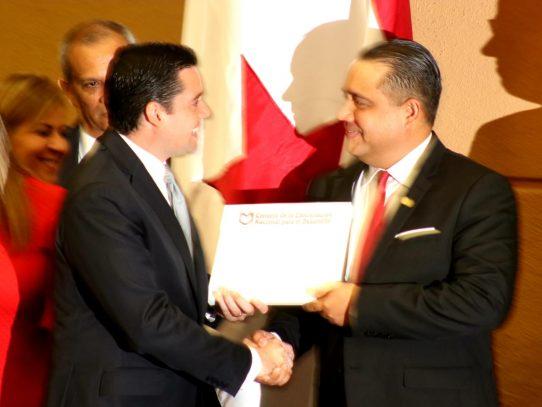 Vicepresidente Carrizo presenta paquete de Reformas Constitucionales a la Asamblea