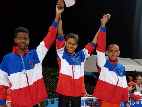 Equipo de natación de Panamá ganó torneo internacional en Costa Rica