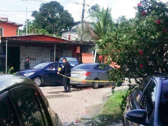 Hombre es asesinado dentro de su casa en Puerto Escondido de Colón
